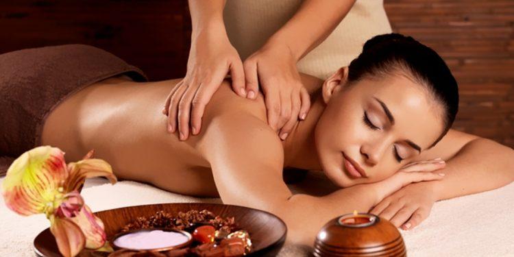 imparare il massaggio ayurvedico nelle scuole di estetica